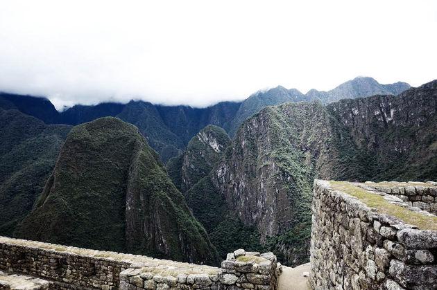 uitzicht-bergen-Machu-Picchu