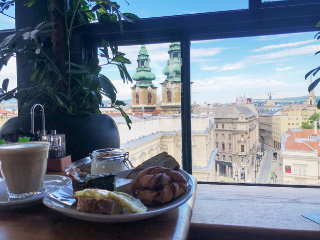 uitzicht-ontbijt-boedapest