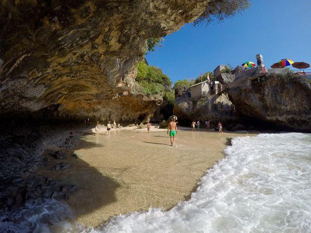 uluwatu-beach