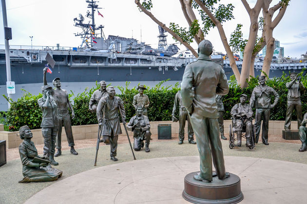 USS-midway-monument