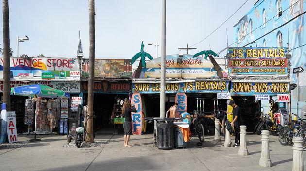 Vanice_Beach_shops