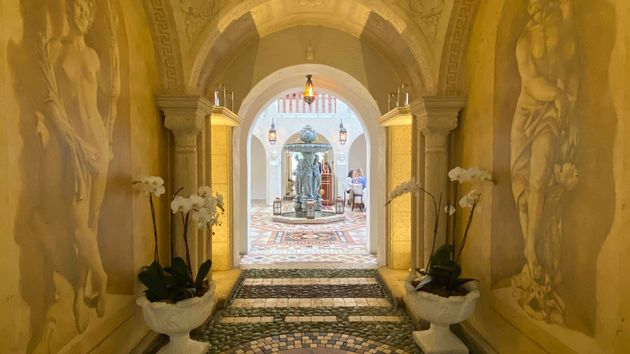 Versace_Mansion_Inside