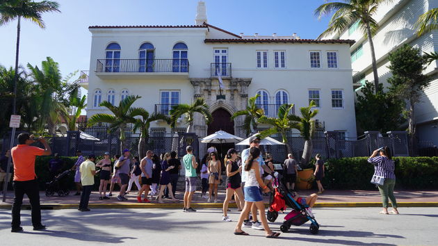 Versace_Mansion_Ocean_Drive