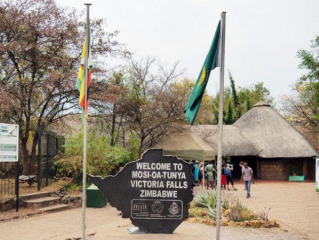 Victoria Falls Zimbabwe (1)
