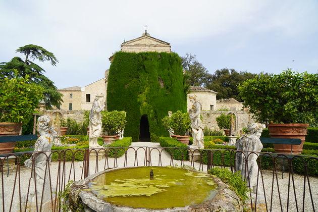 Villa_Bonaccorsi_Potenza_kerk