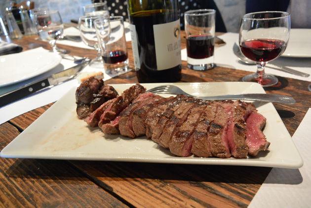 Vlees eten bij Ferme Auberge