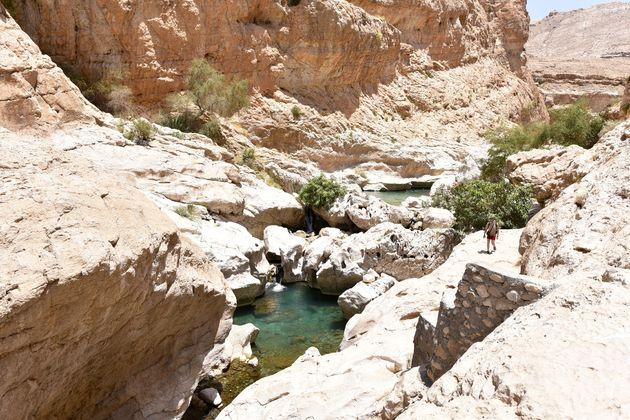wadi-bani-khalid-hiken