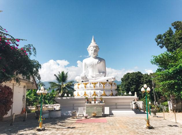 Wat-Phra-That-Mae-Yen