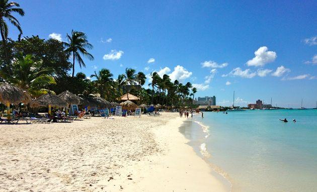 winterzon_aruba_moomba_beach