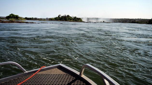 Zambezi rivier richting Victoria Falls