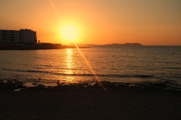 zonsondergang-kumharas