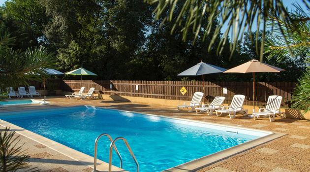 zwembad-domaine-des-mathevies