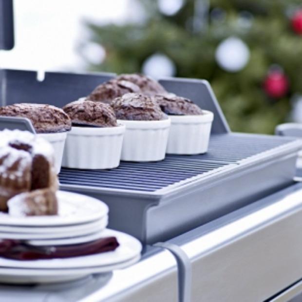 Winterbarbecue in plaats van zittend kerstdiner