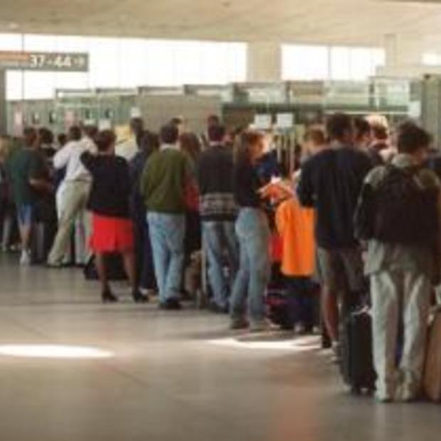 Vliegtuigpassagiers met klachten voorlopig naar IVW