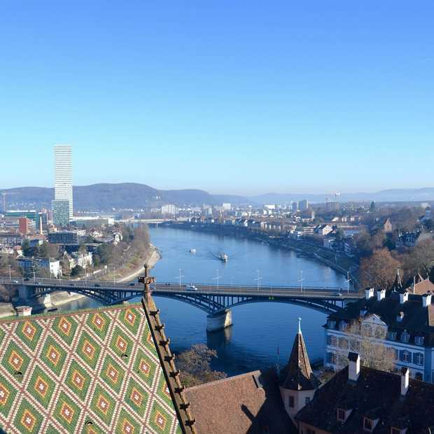 Ontdek de gezellige kerstsfeer van het Zwitserse Basel met de trein!
