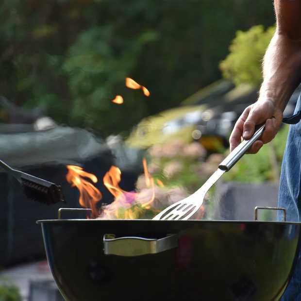 BBQ in het park of op de camping: dit heb je nodig
