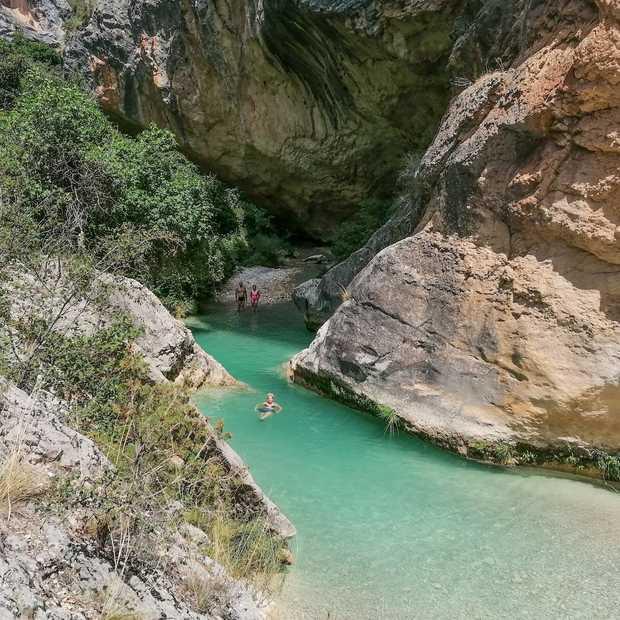 Combineer Barcelona met canyoning in de Sierra de Guara