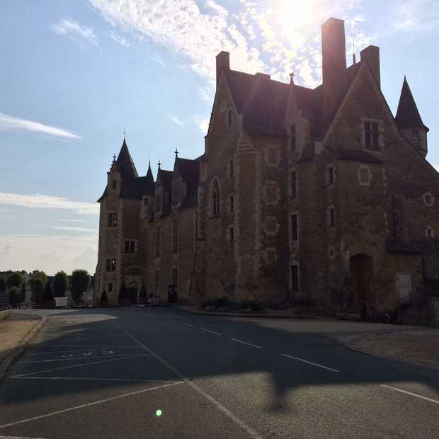 Fietsen via een 'voie verte' en op zoek naar Le Chateau de Baugé