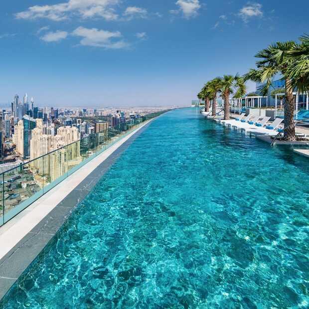 Dubai heeft nu ook de hoogste infinity pool ter wereld