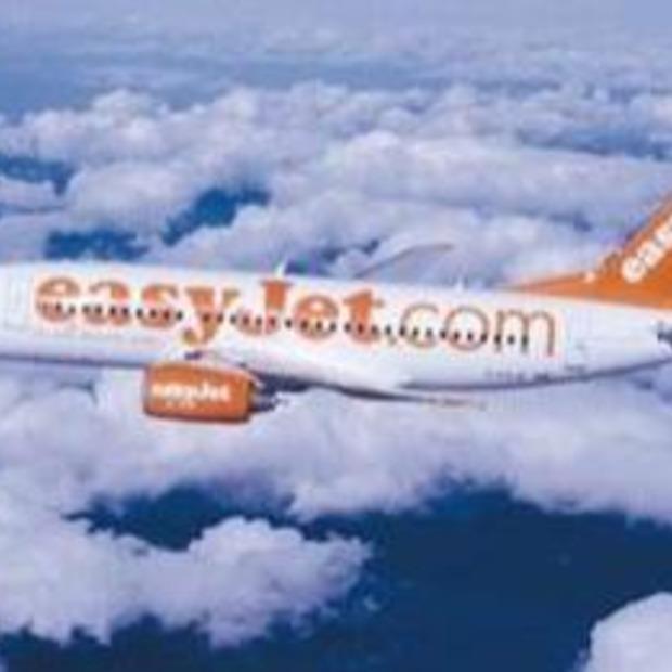 EasyJet strooit gratis tickets boven Schiphol