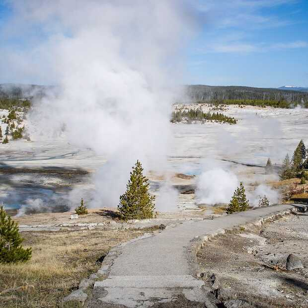 Na 6,5 jaar spuit de Giantess-geiser in Yellowstone weer
