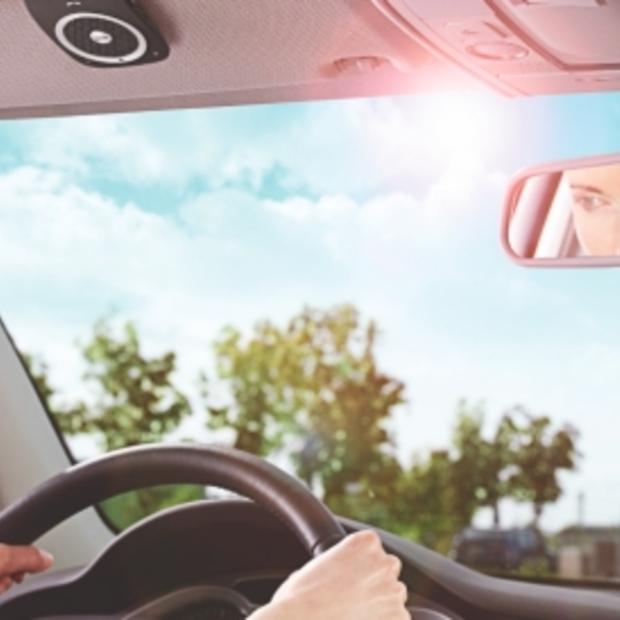 Boetes voor bellen in de auto in het buitenland, een overzicht