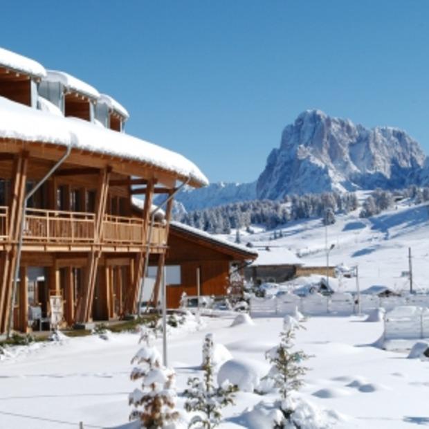 Designhotel Seiser Alm Urthaler in skioord volledig gemaakt van hout