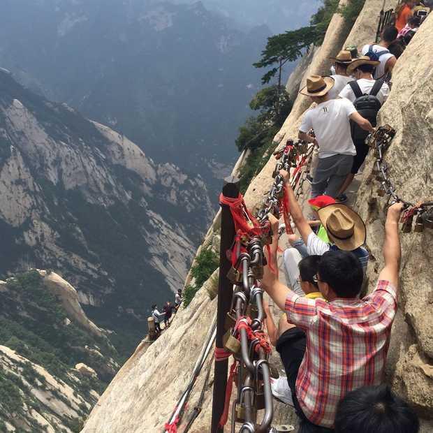 De Hua Shan Trail in China: de gevaarlijkste hike ter wereld