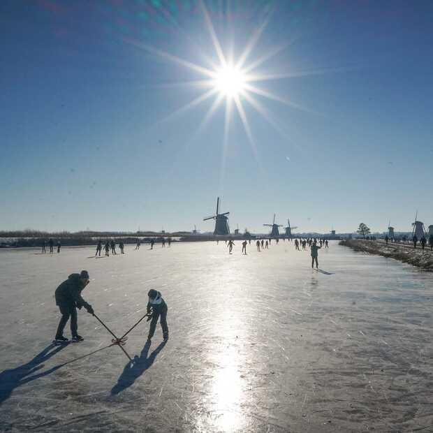 Kinderdijk is een droomlocatie voor ouderwets schaatsplezier