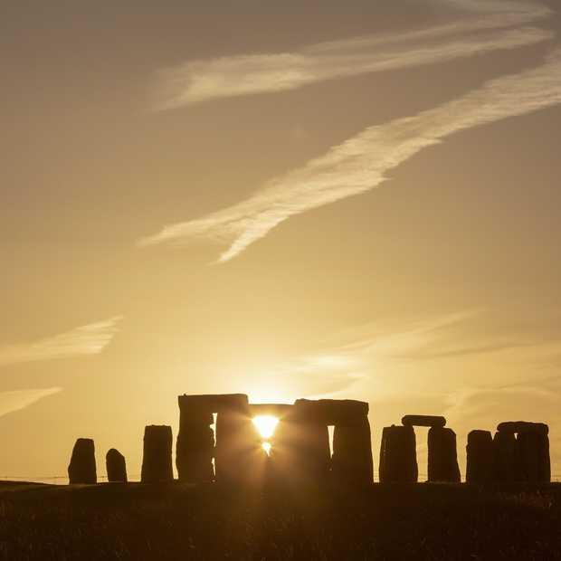 Je kunt vanavond live de zomerzonnewende van Stonehenge bijwonen