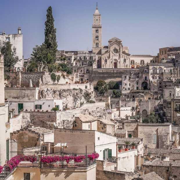 Ontdek de unieke grotwoningen in de magische stad Matera