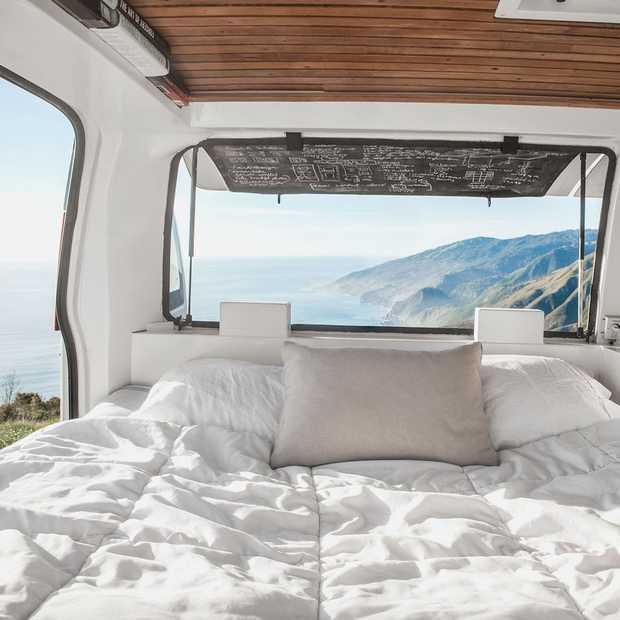 Hoe je een oud busje ombouwt tot een droomcamper in 17 dagen