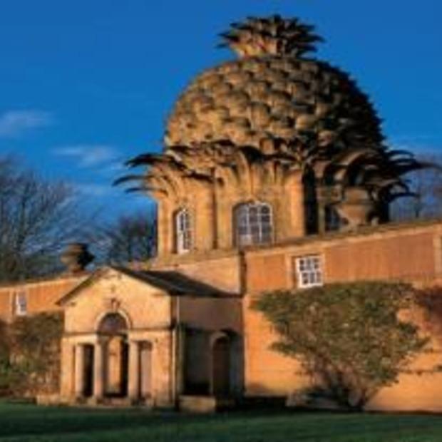 """Slapen in een """"Pineapple"""" en andere bijzondere gebouwen"""
