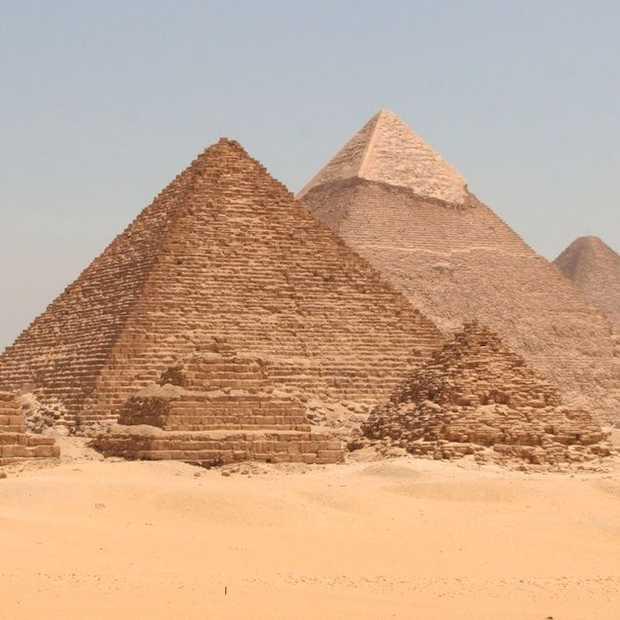 Het enige klassieke wereldwonder dat nog bestaat: de piramide van Cheops