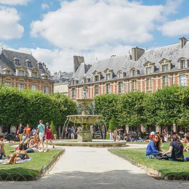 Place des Vosges: het oudste en mooiste plein van Parijs
