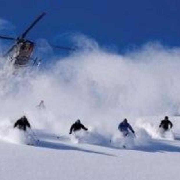 De overtreffende trap van off-piste skiën: heliskiën en boarden