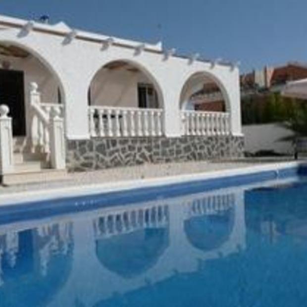 Oplichter Spaanse vakantiehuisjes opgepakt