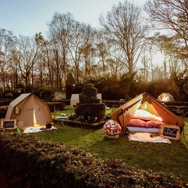 Deze zomer kun je kamperen in het sprookjesbos in de Efteling