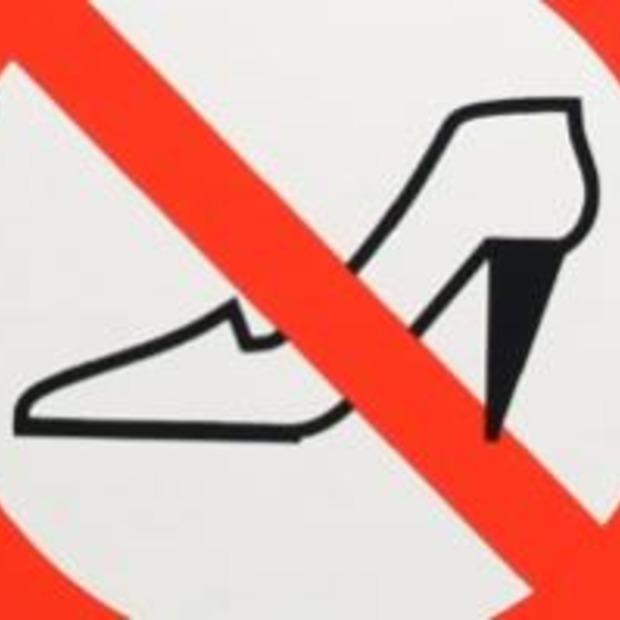 Griekenland wil dragen van hoge hakken verbieden