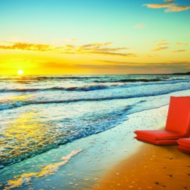 LOUNGER: stijlvol zonnen op het strand!