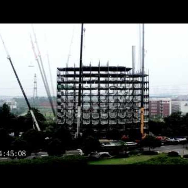 Video: Duurzaam hotel gebouwd in zes dagen!