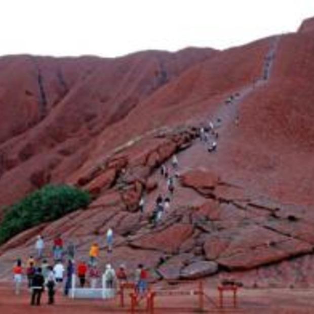 Mogelijk klim verbod voor Uluru