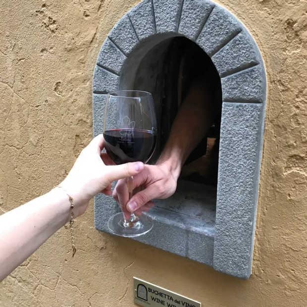 In het Italiaanse Florence zijn de wijnramen weer geopend